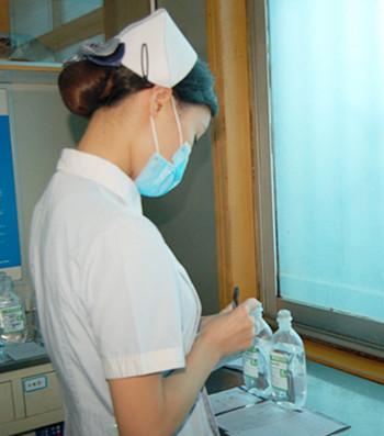 护士系列����_三好一满意系列报道:住院部护士的普通一天